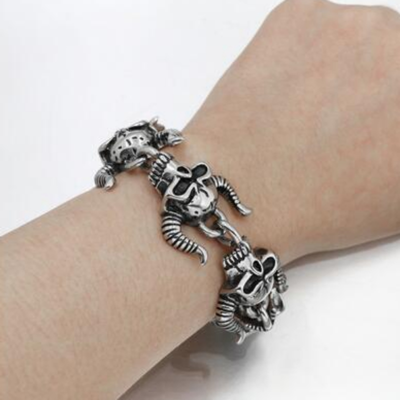 Personality domineering titanium steel casting men's titanium steel bracelet alternative skull horn bracelet Jewelry